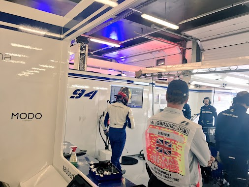 🇬🇧 #FP1 in Silverstone is on 🇬🇧  #SauberF1Team #25YearsInF1 #Formula1 #F1 #BritishGP