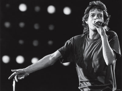 Rolling Stones Lead Singer Mick Jagger Performing at the Live Aid Concert Impressão fotográfica premium