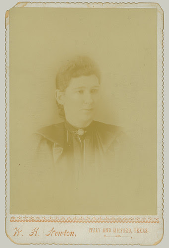 Cabinet Card portrait of a woman