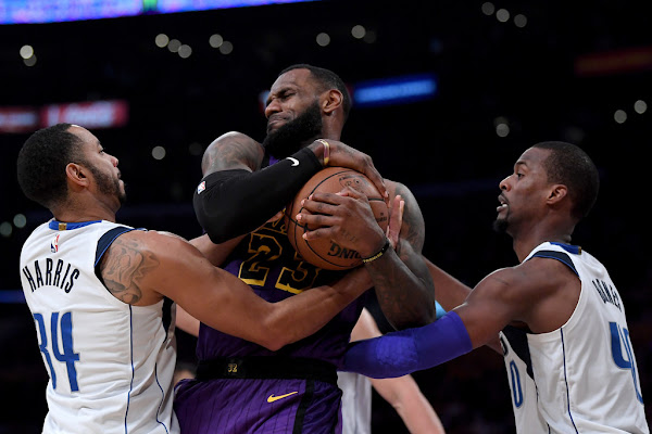 f68f75ef696c Why the Mavericks need to take advantage of the LeBron James-less Lakers