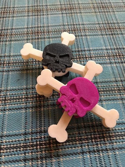3d printed Skull and crossbones fidget spinners for little