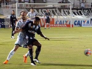 ABC x Luverdense, no Frasqueirão - Kayke e Michel Schmöller (Foto: Augusto Gomes/GloboEsporte.com)