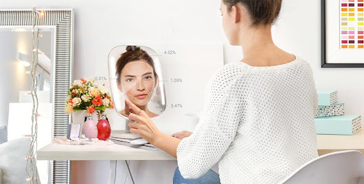 HiMirror Mini: Your Fabulous Smart Beauty Mirror | Trendy Gadget Review