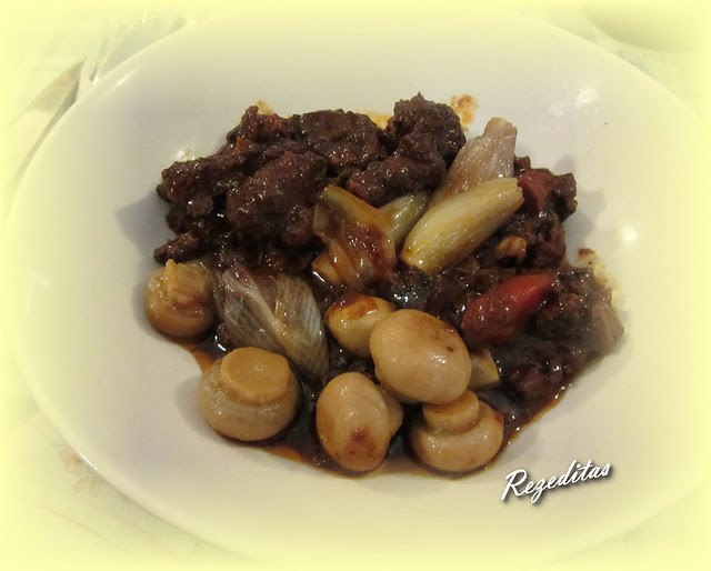 BOEUF BOURGUIGNON (receta adaptada de Julia Child)