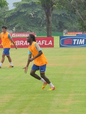 Negueba treino Flamengo (Foto: Janir Junior / Globoesporte.com)