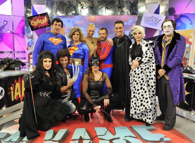 Foto de familia de los colaboradores de 'Sálvame Diario'