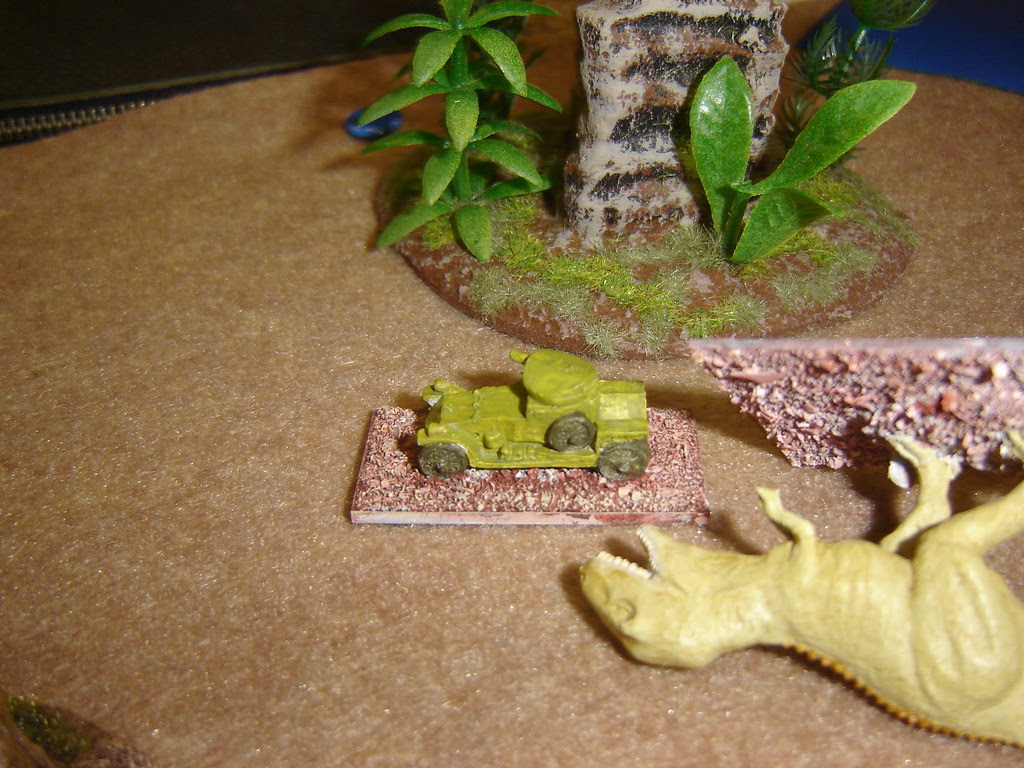 Tyrannosaur torn apart as it attempts to bite off turret