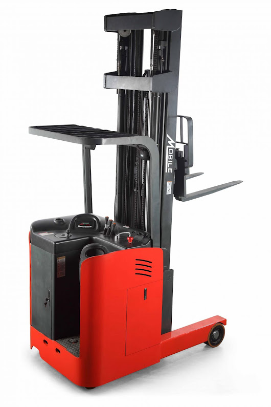 RRS33N Ride-On Reach Truck Stacker