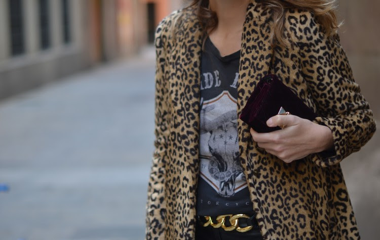 Resultado de imagen de abrigos animal print street style