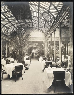 Fine Art Print of Dining room at the Hotel Imperial, 1904 by Byron Company