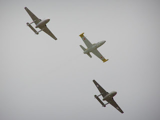 L39 Albatross and De Havilland DH 115 Vampire formation