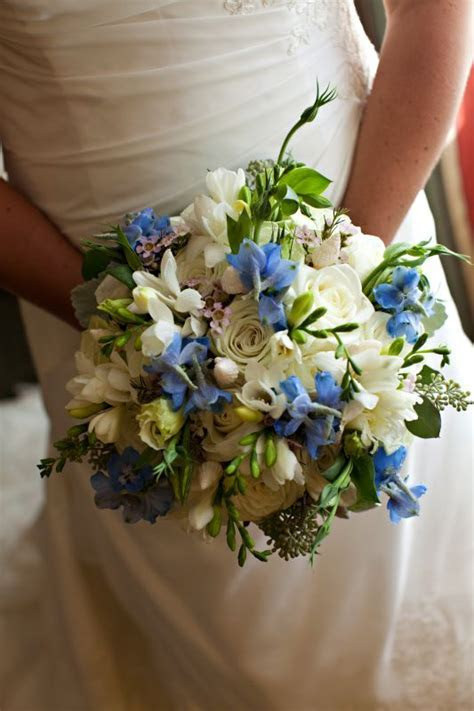 Wedding flowers help! No such thing as teal flowers