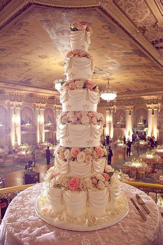 Best 25  Huge wedding cakes ideas on Pinterest   Pretty