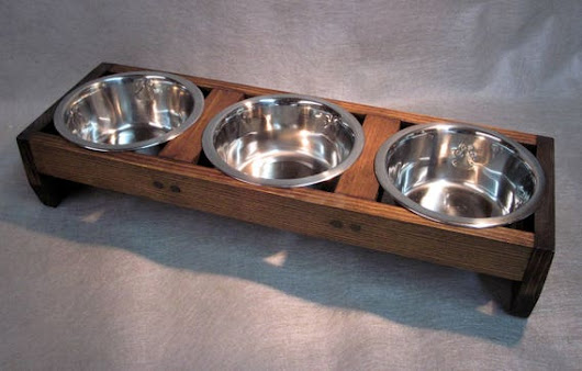 3 bowl 2 cup pet feeding stand You select the stain