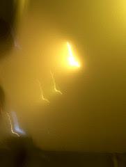 there's a light dans le brouillard