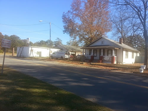 North Carolina Location Rental 10 acre plus with Old House, Auto Repair, Alley