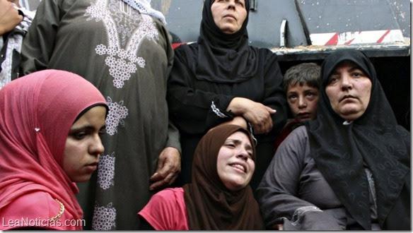 http://www.leanoticias.com/wp-content/uploads/2014/10/yazidi-esclava-sexual-2.jpg