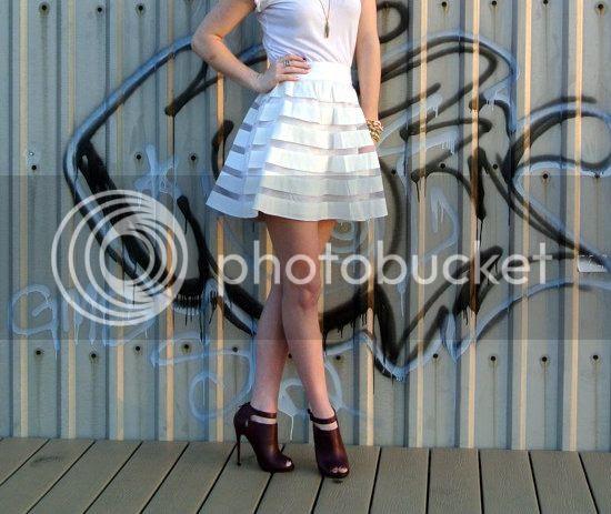 White on White www.SideSmileStyle.com