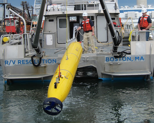 U.S. Navy sends underwater drone to help in Malaysia plane search