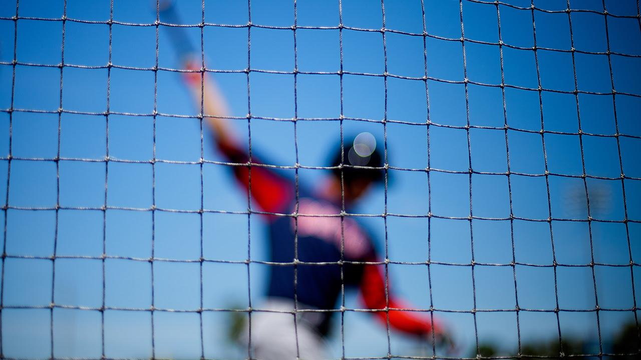 MLB recomienda que estadios tengan mallas entre dugouts