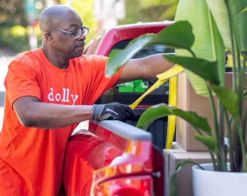 On-demand delivery and moving app Dolly hits $1 million in revenue and expands into SF and DC