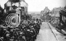 Alemanes en Bapaume durante la batalla del Somme. Foto de Robert Carlson, cortesía del World War One Image Archive.