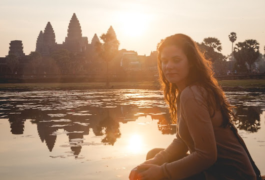 I Discovered The Reality of Travel Photography During Sunrise in Angkor Wat - Resource Travel
