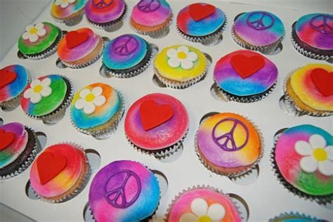Hippie Cupcakes   All Things Cupcake