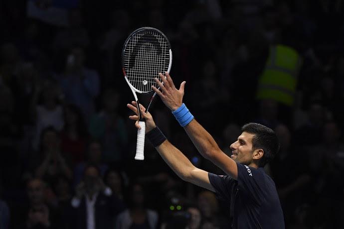 Novak Djokovic celebra vitória sobre David Goffin no ATP Finals (Foto: Reuters / Toby Melville Livepic)
