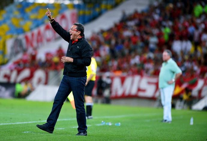 http://s2.glbimg.com/9DPu745gpYdjoe2vVc0VYAGkPgY=/0x22:2000x1384/690x470/s.glbimg.com/es/ge/f/original/2014/10/22/flamengo-internacional-maracana-andur.jpg