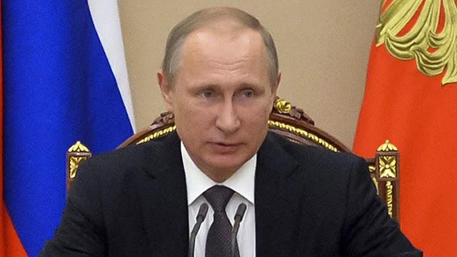 Putin visits Crimea amid new tensions
