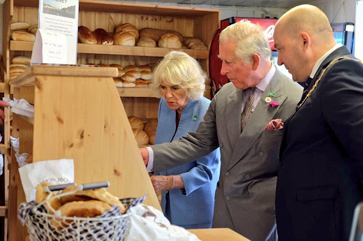 Charles and Camilla's busy day: Cornish food, Highgrove cake & • The Crown Chronicles