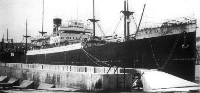 Fotografía tomada en junio de 1939 mientras el barco era acondicionado para su viaje a Chile.