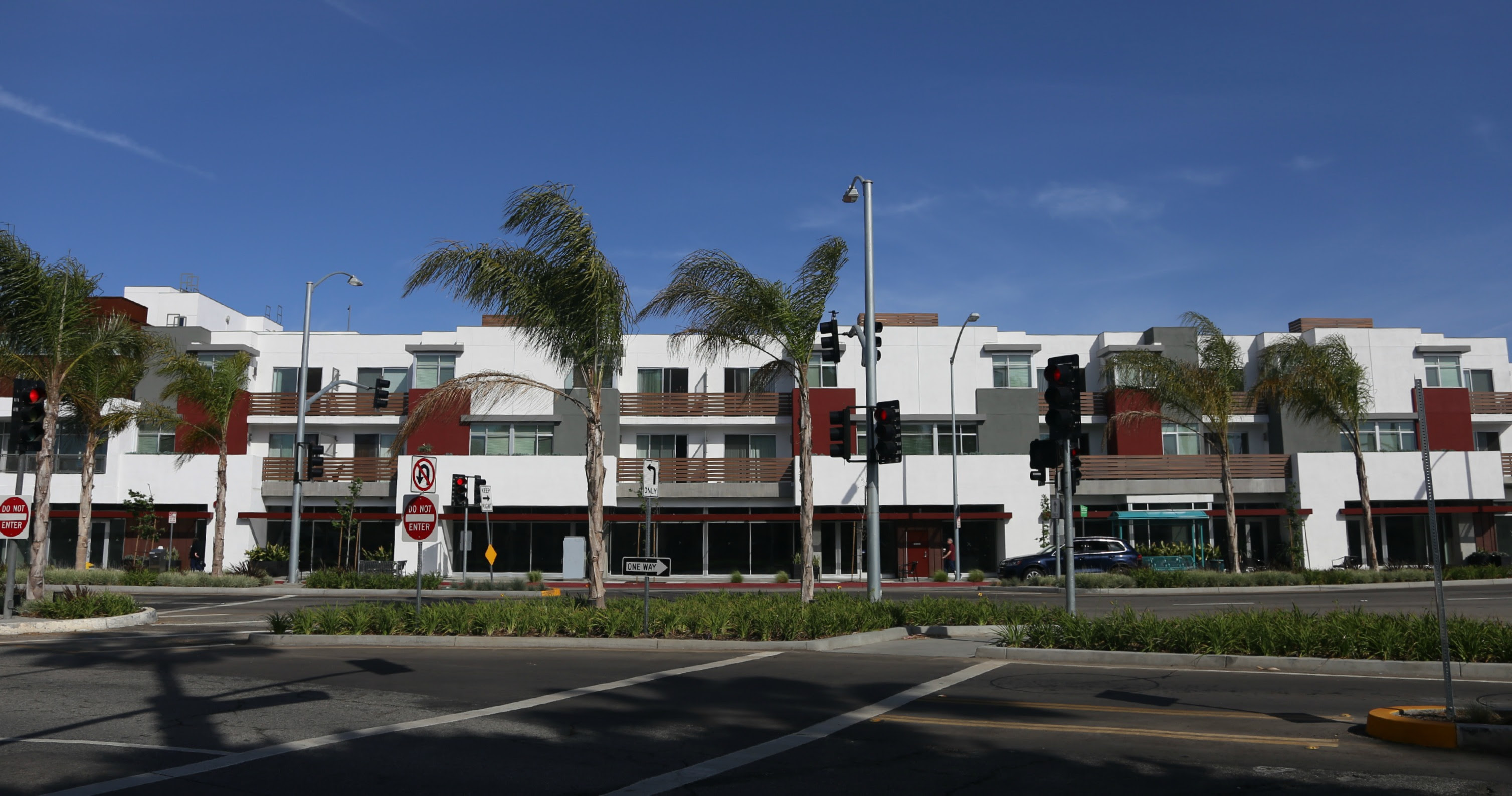 Culver City Mixed Use Apartment Building