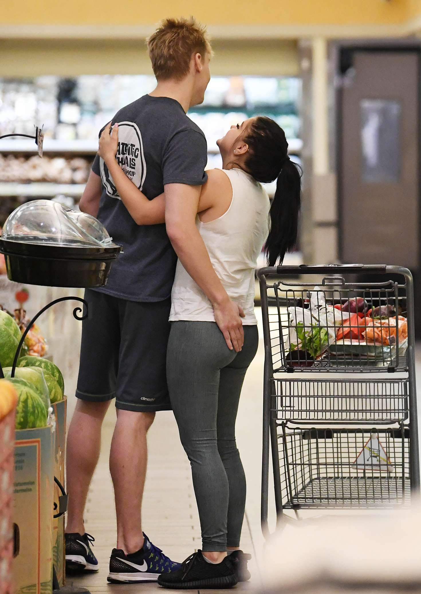Ariel Winter – Shopping at Gelson's super market in Studio City