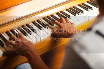 The Beginner's Guide to Learning Piano Online