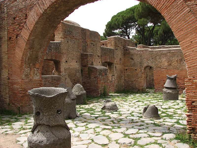 File:Ostia antica-14.jpg
