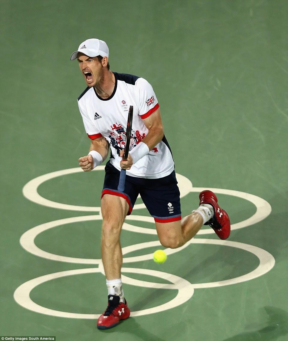 Andy Murray comemora como os britânicos n º 1 tornou-se o primeiro homem a vencer solteira back-to-back medalhas de ouro nos Jogos Olímpicos