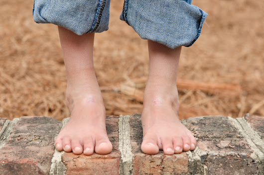 Shed those shoes: Being barefoot benefits brain development and more! - Rae Pica