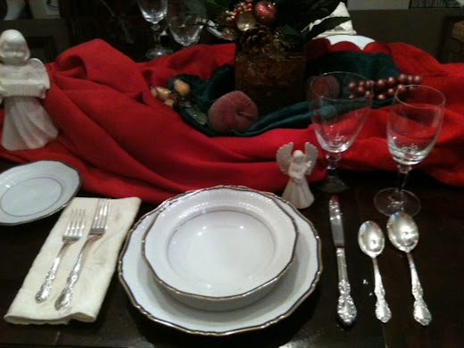 How to Set a Proper Table Setting for the Holidays or Any Other Day, Even When It's Just the In-Laws for Dinner!