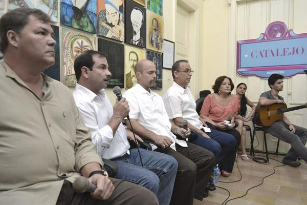 El espacio de debate Catalejo, que tiene lugar en la UPEC, recibió a Gerardo, Antonio, Fernando y Ramón; quienes accedieron a intercambiar con un grupo de periodistas, hoy Día de la Prensa Cubana. Foto: Abel Rojas Barallobre