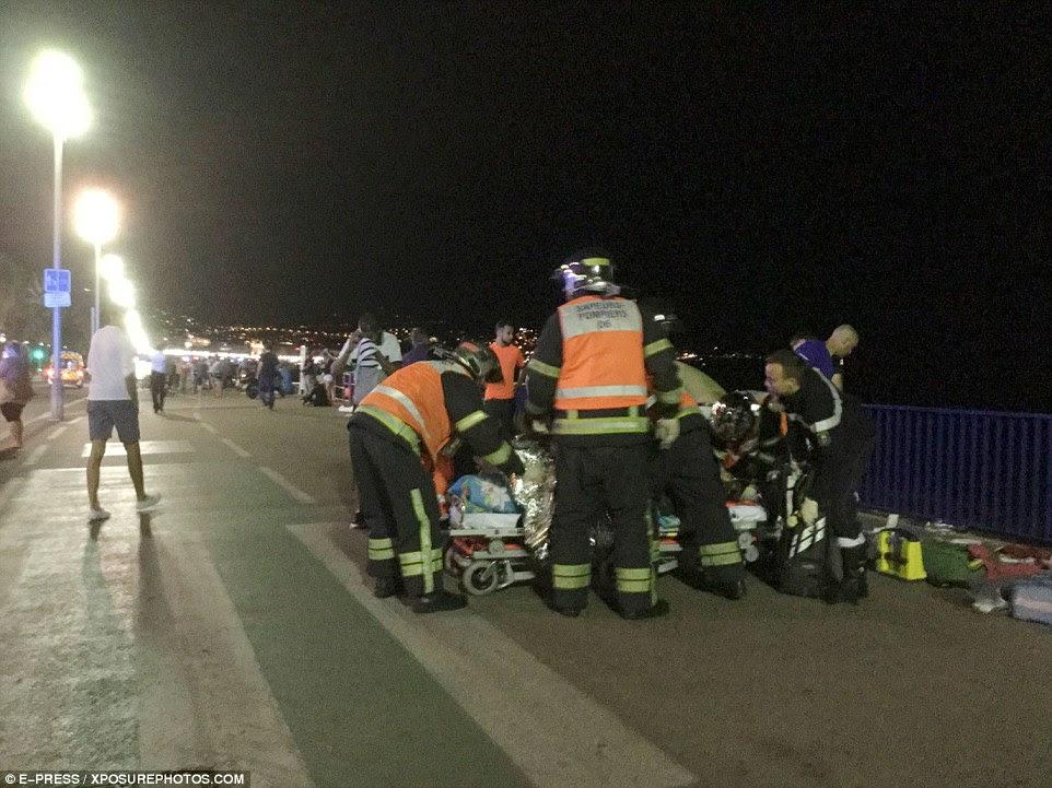 Rush: Vítimas foram levado para o hospital para o tratamento de salva-vidas, mas dezenas permanecem em estado crítico e mais são esperados para sucumbir aos seus ferimentos