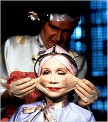 Katharine Helmond gets some facial enhancement