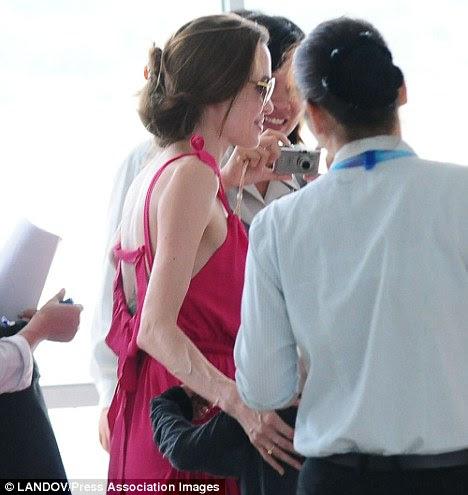Fontes dizem que Angelina estilo de vida estressante faz com que ela perca o apetite