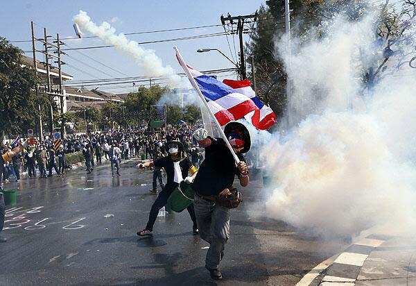 bandiera Thailandia: scontro frontale contro la democrazia