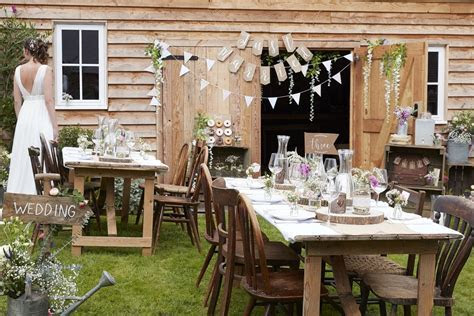 Inspiration for Rustic Wedding Table Decorations   Party