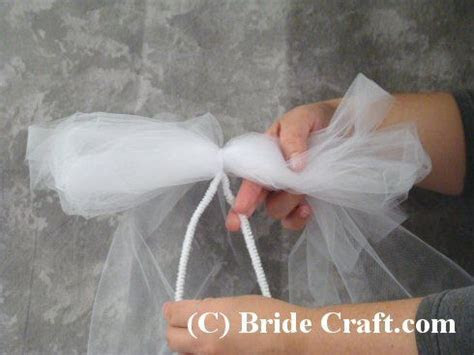Tulle Pew Bows   Create Tulle Pew Bow Decorations for Your