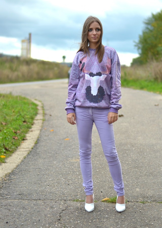 mr gugu miss go purple lilac antler sweater sweatshirt asos lilac supersoft skinny trousers h&m trend white wedge heels outfit post fashion blogger turn it inside out belgium