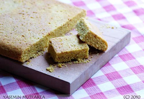 Acılı Mısır Ekmeği