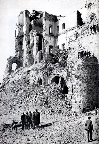 En las ruinas del Alcázar